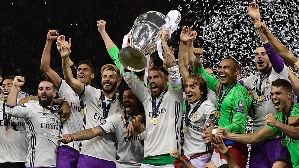 UEFA announce that Real Madrid are the best team in the European Cup era &amp; the Champions League era. #HalaMadrid <br>http://pic.twitter.com/J7EGHRTcgk