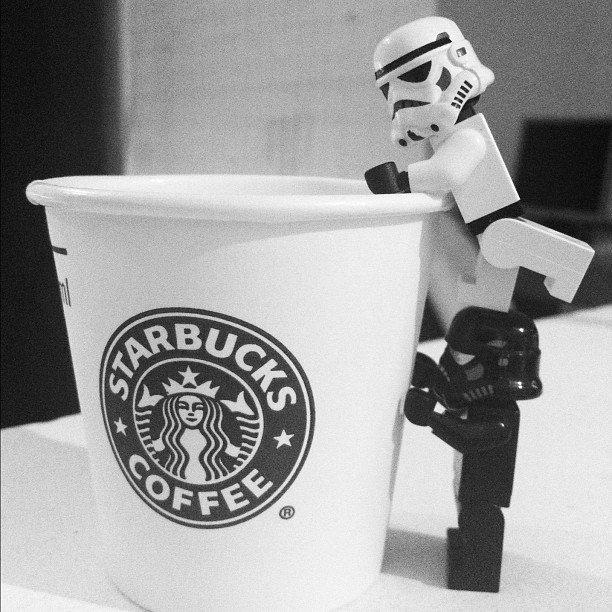 #ConEsteFrio lo casual seria un coffee y un abrazo de esos que quitan...
