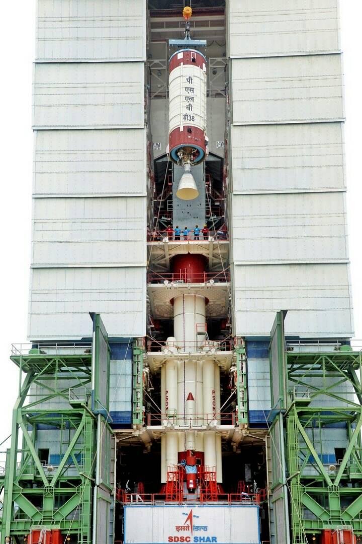 #ISRO ने आज सुबह 05:29 से शुरु किया #PSLVC38/कार्टोसैट-2 सैटेलाइट मिशन...