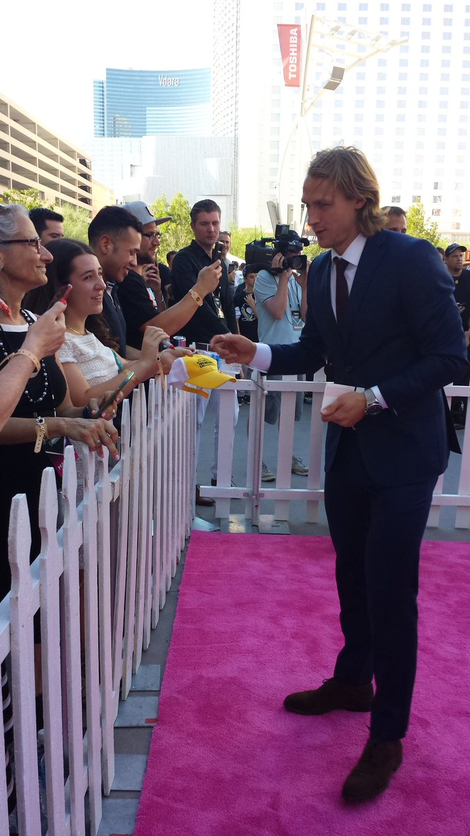 Carl Hagelin @penguins #stanleycup champion stops to sign some autogra...