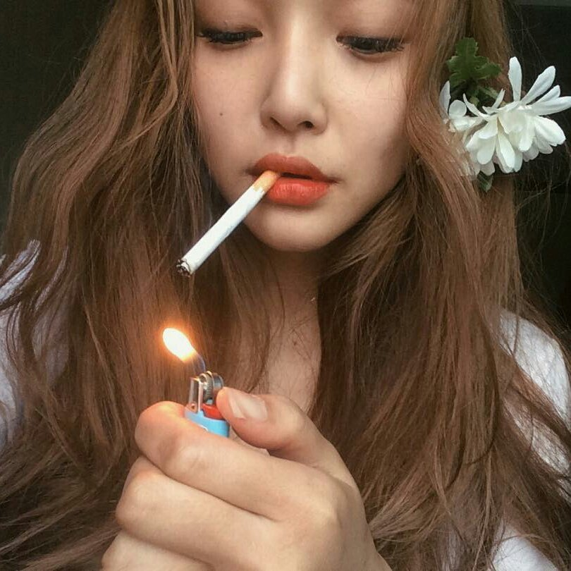 Asian girls smoking cigarettes size