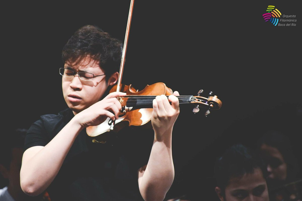 Impressions with @OrquestaDeBoca this morning. #dvorak #violin #concerto <br>http://pic.twitter.com/NofXnbacNs