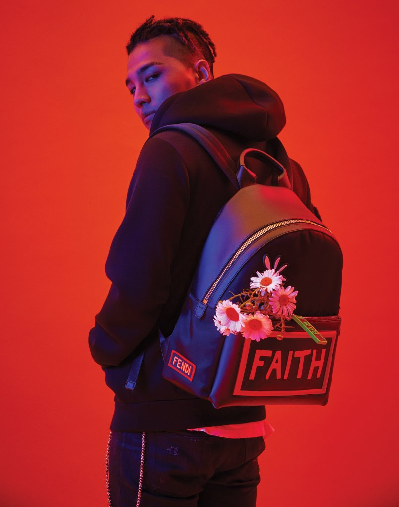 #FENDI x #TAEYANG Capsule Collection  Debut in Hong Kong on July 27   https:// wwd.com/fashion-news/f ashion-scoops/fendi-capsule-collection-taeyang-10924250/ &nbsp; …    @Realtaeyang #태양 #영배 #태양달<br>http://pic.twitter.com/SOOruv4Yqj