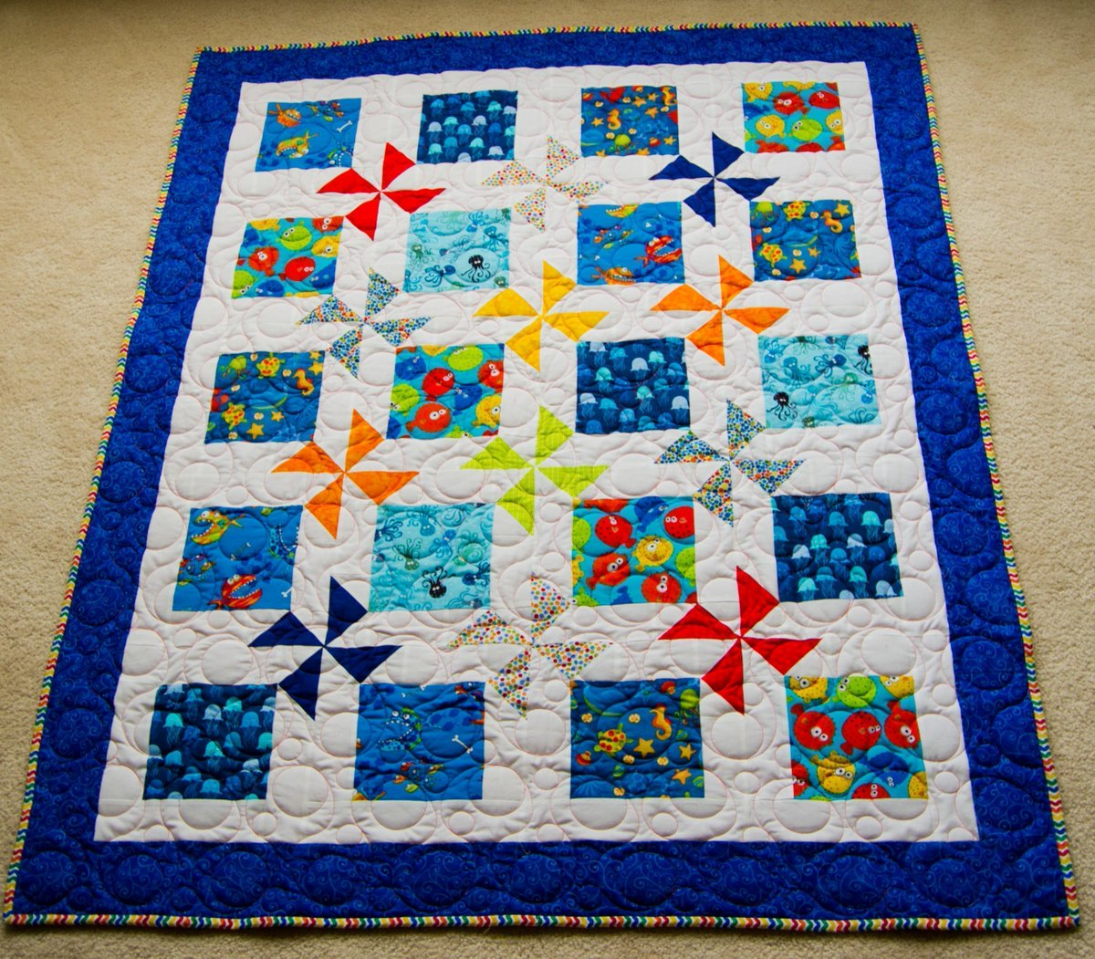 #Bright #Fun #Handmade #Quilts and #Giftideas Check out this #Toddler #ModernQuilt Give a Gift that will last years!  http:// buff.ly/2ttqBcF  &nbsp;  <br>http://pic.twitter.com/3DJRgZvA69
