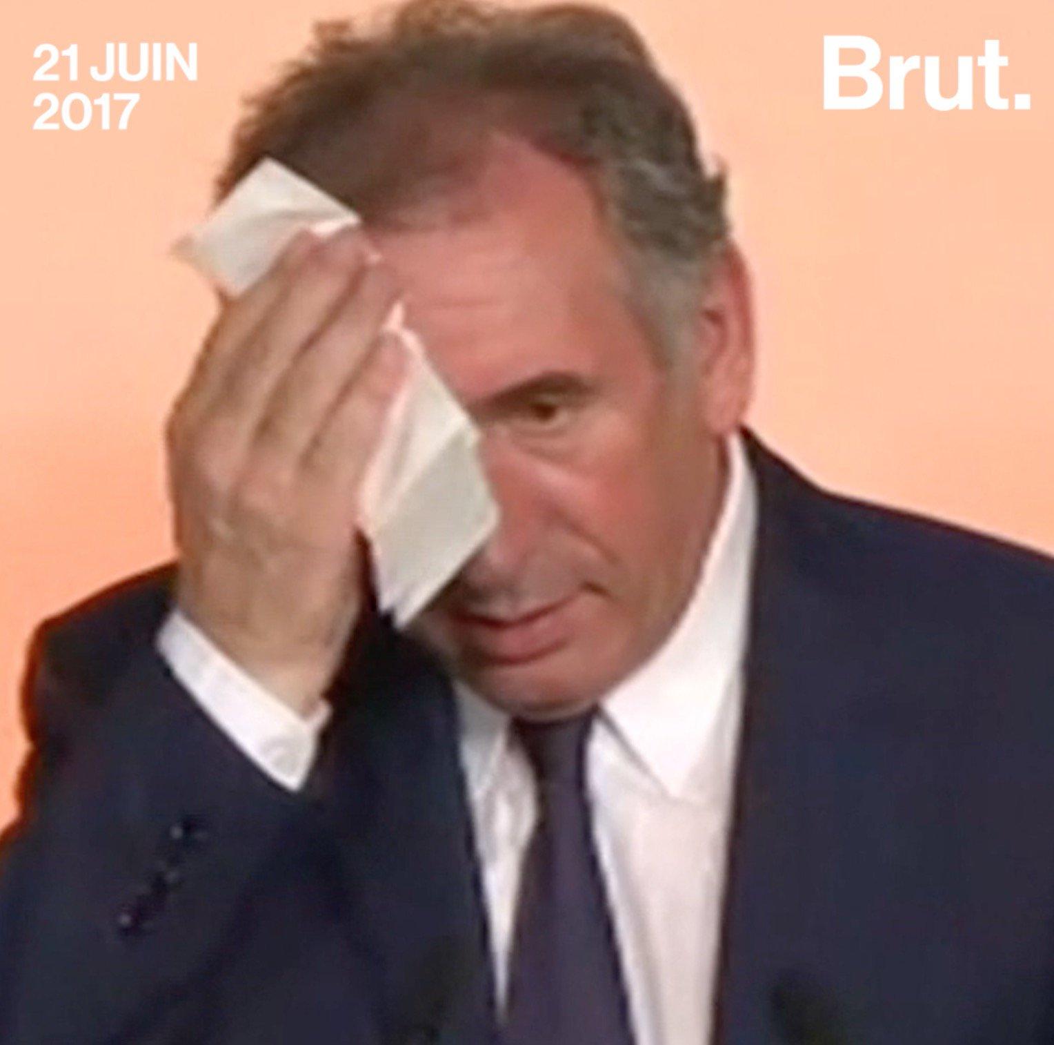 François Bayrou et la presse : avant / après. https://t.co/SvLRIKPvFK