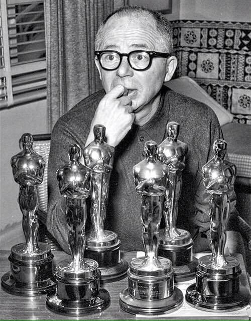 #BTD Jun22,1906 #BillyWilder RIP Producer, director, writer won 6 @TheAcademy #Oscars. 3 for the movie &quot;The Apartment&quot; <br>http://pic.twitter.com/GEbRaJ0oyI