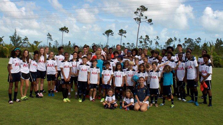 .@HKane surprised youngsters at Bahamas Tottenham Hotspur this week!   Read more: https://t.co/NRTJ2eWqEK