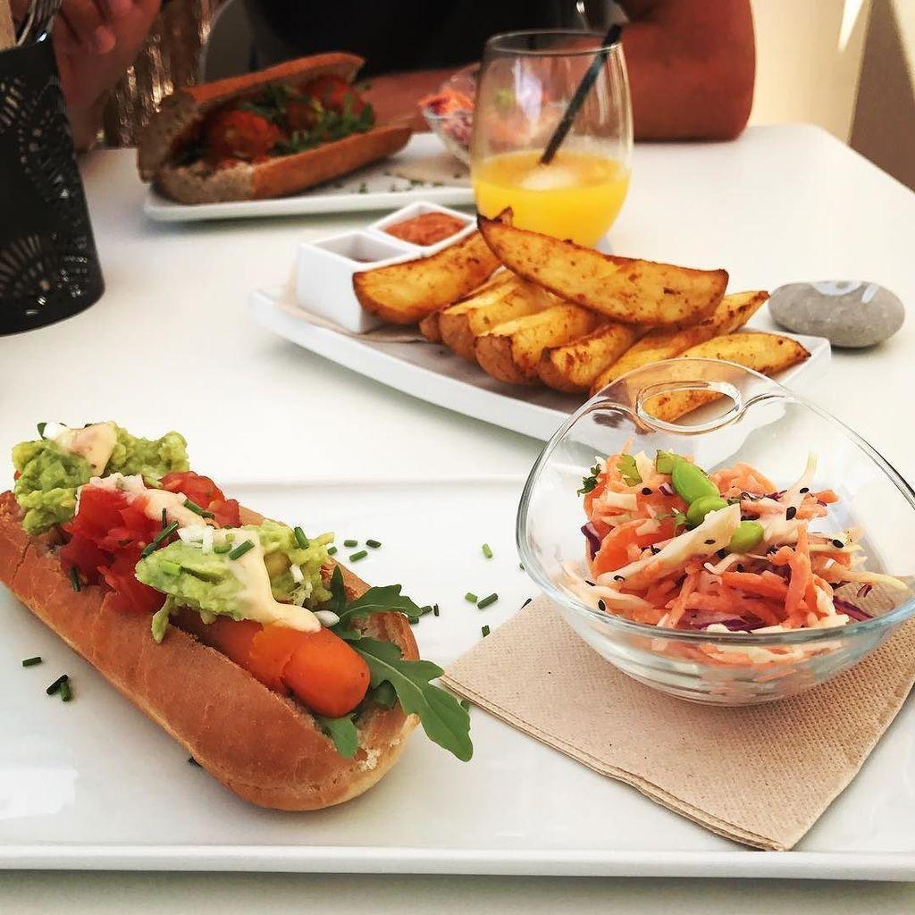 Super tasty, plant based feasting! #ethos #vegan #javea #xabia  http:// ift.tt/2sWZj1n  &nbsp;  <br>http://pic.twitter.com/nWTdX40fEJ