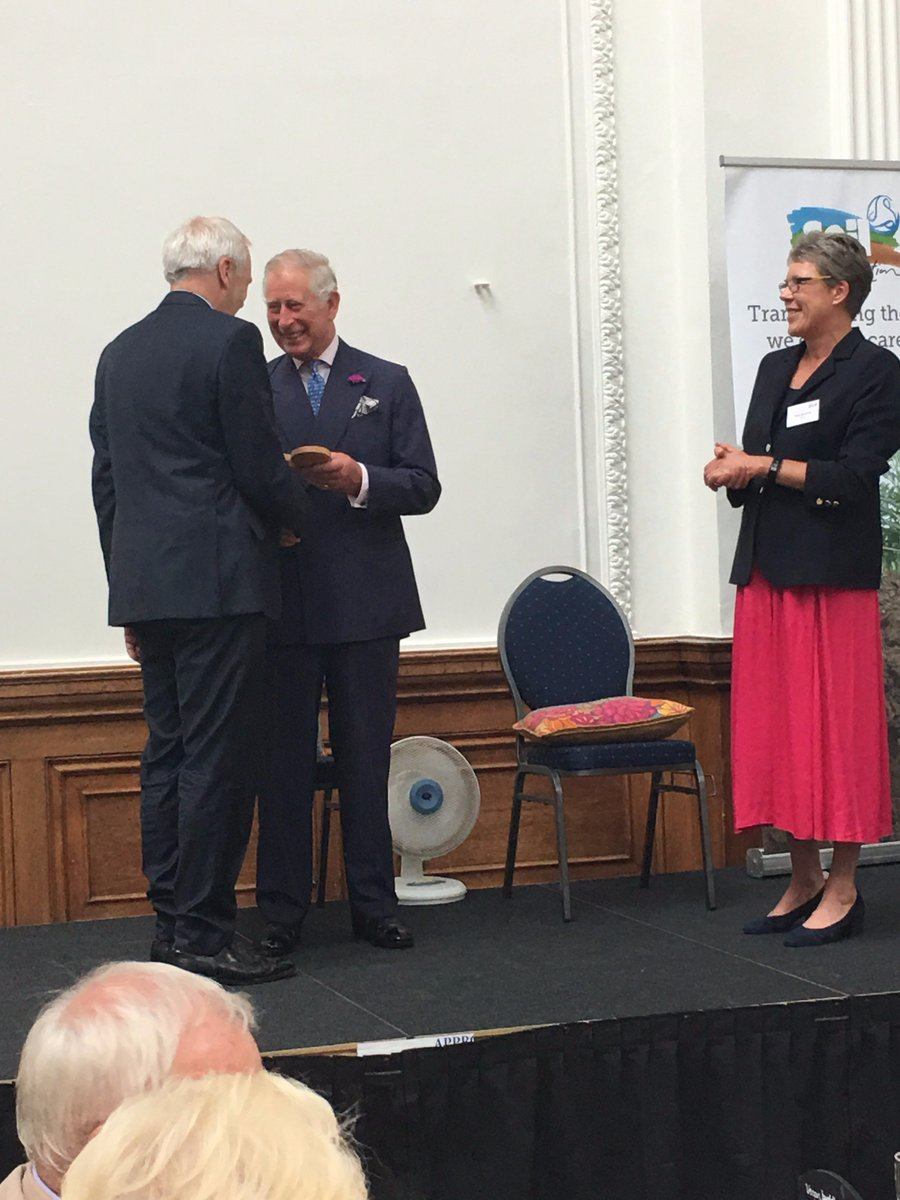 And here's the wonderful Patrick Holden receiving a lifetime award for organic from HRH The Prince of Wales. @SusFoodTrust #organic