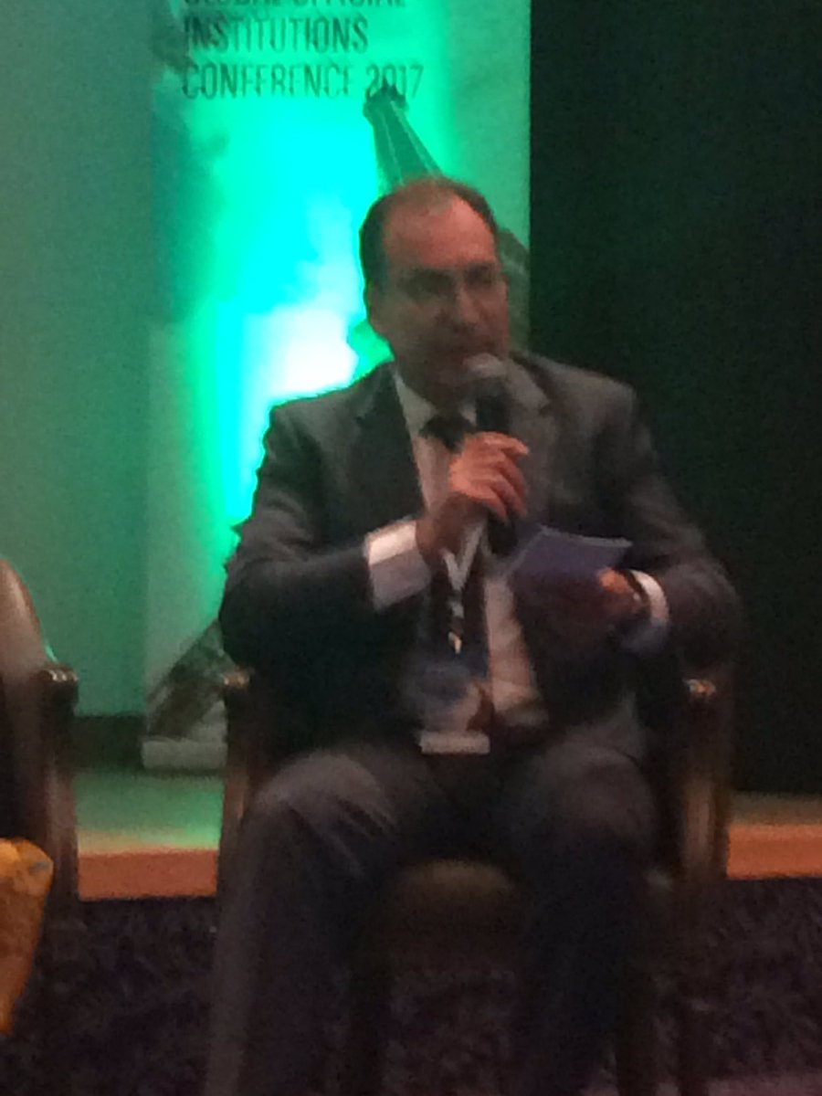 Amine Bel Hadj Soulami talking w/ Official Institutions rep on #ESG socially #ResponsibleInvesting #ClimateChange<br>http://pic.twitter.com/Uca1aO7vZV