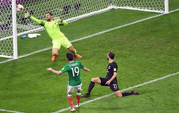 Após advertência da Fifa, mexicanos trocam grito homofóbico por aplausos na Copa das Confederações https://t.co/upOVHwMGwS