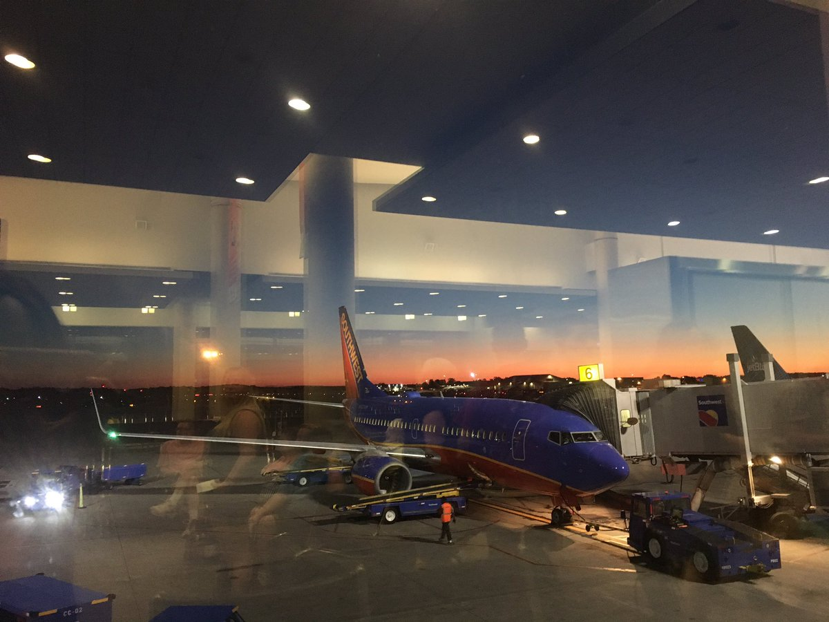 Headed to @BlogHer flying my favorite airlines @SouthwestAir  #BlogHer17 #blogger #lifestyle #goals #conference <br>http://pic.twitter.com/445azVefDE