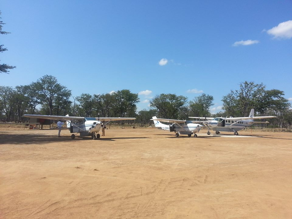 Busy morning at Mana West #airstrip! #bushflying #cessna #WildernessAir #ManaPools #Zimbabwe  https://www. facebook.com/Wilderness-Air -Africa-205688529442877/ &nbsp; … <br>http://pic.twitter.com/ubp514zoPi