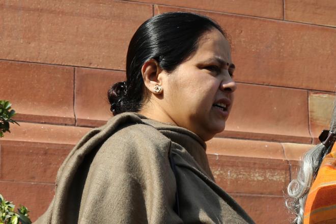 Benami properties case: #MisaBharti 's husband Shailesh Kumar appears before I-T office  https://t.co/OESNKnFzaZ