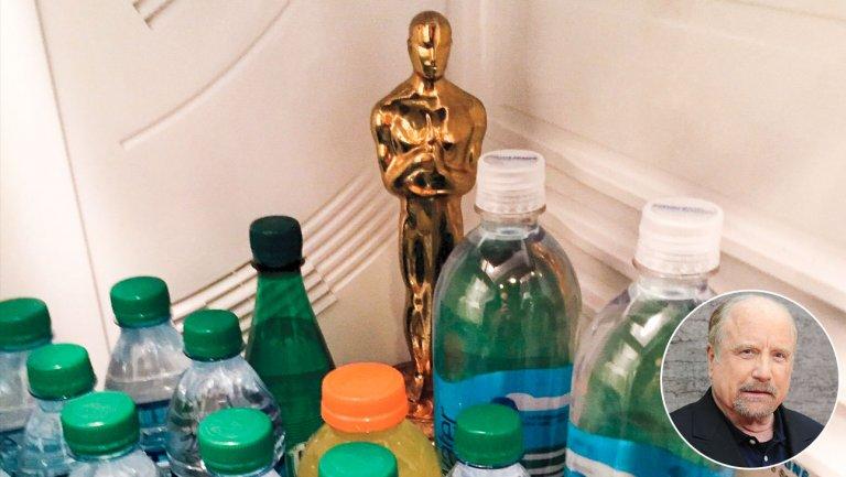 Why Richard Dreyfuss keeps his Oscar in his fridge https://t.co/chG1mO...