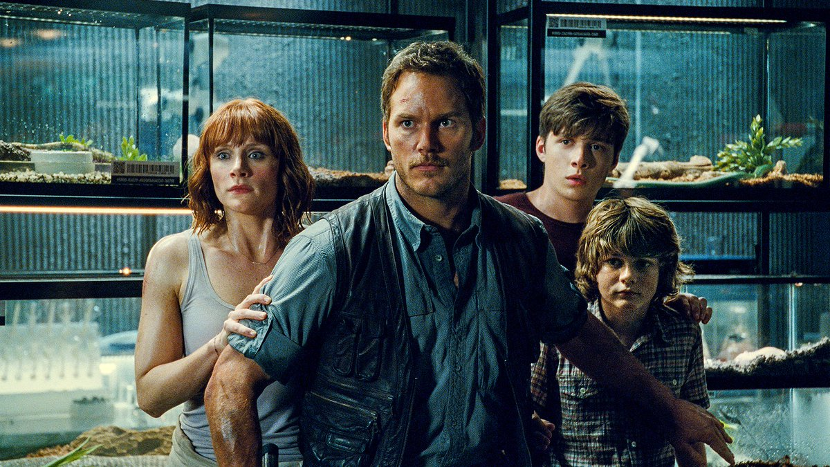 BREAKING! Jurassic World 2 officially titled 'Fallen Kingdom'! Check o...