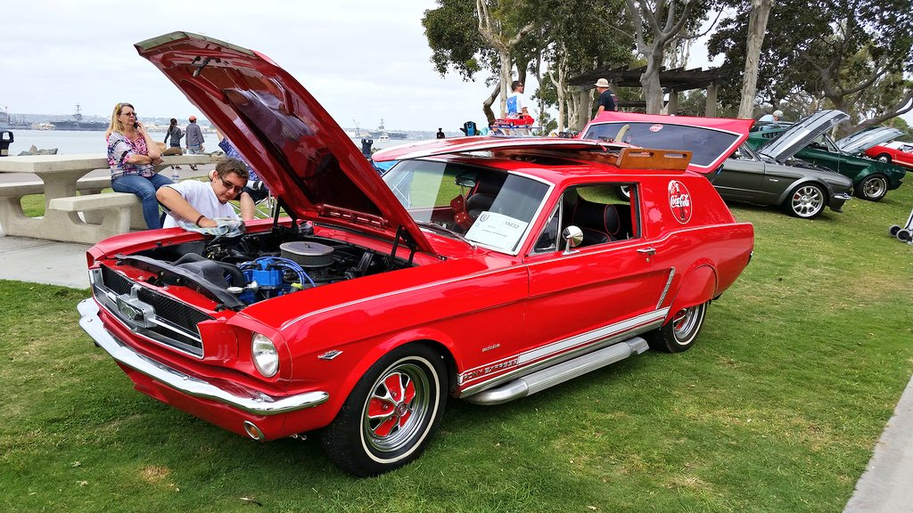 #ThrowbackThursday  to when I came across This #CocaCola #Mustang Coupe in San Diego. #californiamustang #classicindustries<br>http://pic.twitter.com/AIsO7X0JXv