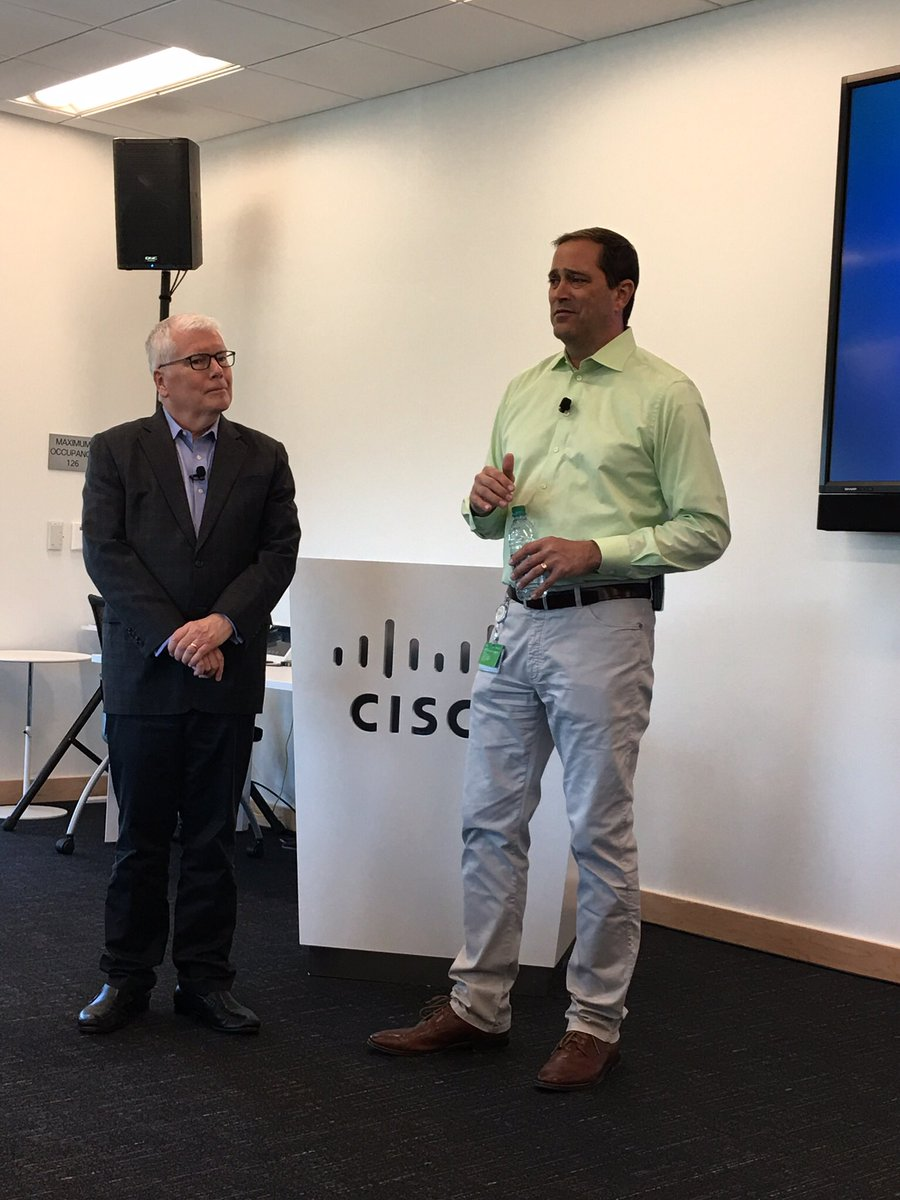 @ChuckRobbins @Cisco #CEO &amp; @MichaelTimmeny #SVP @CiscoPubPolicy what a privilege to work with 2 great leaders #CiscoDNA<br>http://pic.twitter.com/hMptQkdMAw