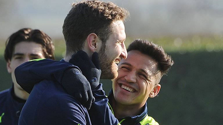 Shkodran Mustafi on Alexis Sanchez: 'I hope he stays, it would be a pity to lose him. He is an extraordinary player' https://t.co/enpj2f96JU