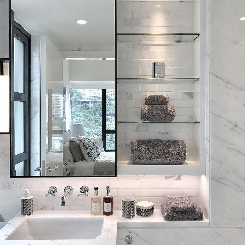 A corner from a recent project. #interiordesign #bathroom #blackandwhite #cooltone #whitemarble #brightlights #sim…  http:// ift.tt/2rGcNKI  &nbsp;  <br>http://pic.twitter.com/3np3VCrAG9