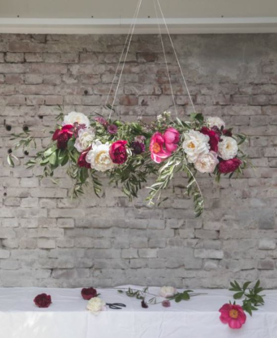 DIY: instant luxury with a peony chandelier