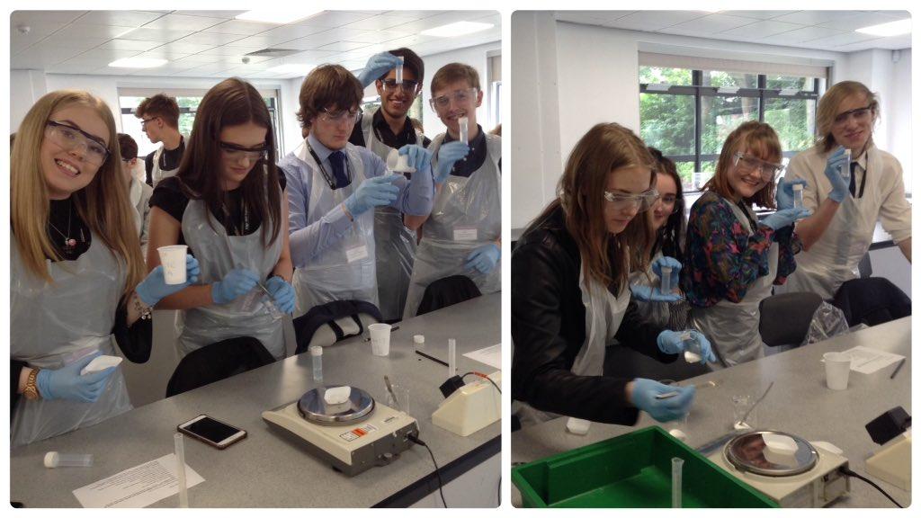 #BiologyOlympiad: third challenge was extracting #DNA from spit! @BiologyEHU @LifeSciencesUTC #ThinkUTC<br>http://pic.twitter.com/wiZw9nEfnk
