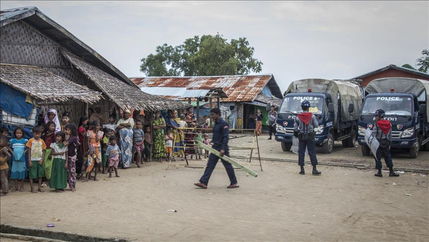 3 #Rohingya men killed by security forces in #Myanmar Villagers denied &amp; said fabrications @matthewfsmith @Sthumoe  https:// mirsdq.blogspot.com/2017/06/3-rohi ngya-men-killed-by-security.html &nbsp; … <br>http://pic.twitter.com/MENEMzoFP9