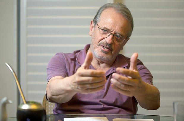 'Considero Lula um líder, não um chefe', diz Tarso Genro https://t.co/RYeJxr7zhq