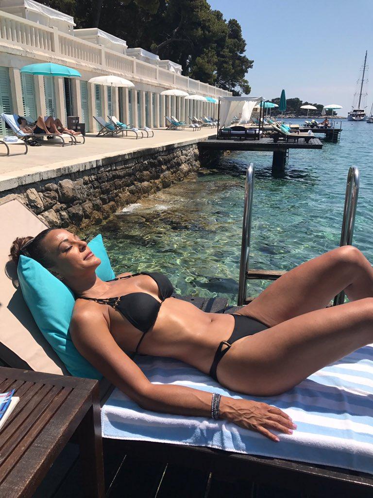 Eva Larue Bikini Pics