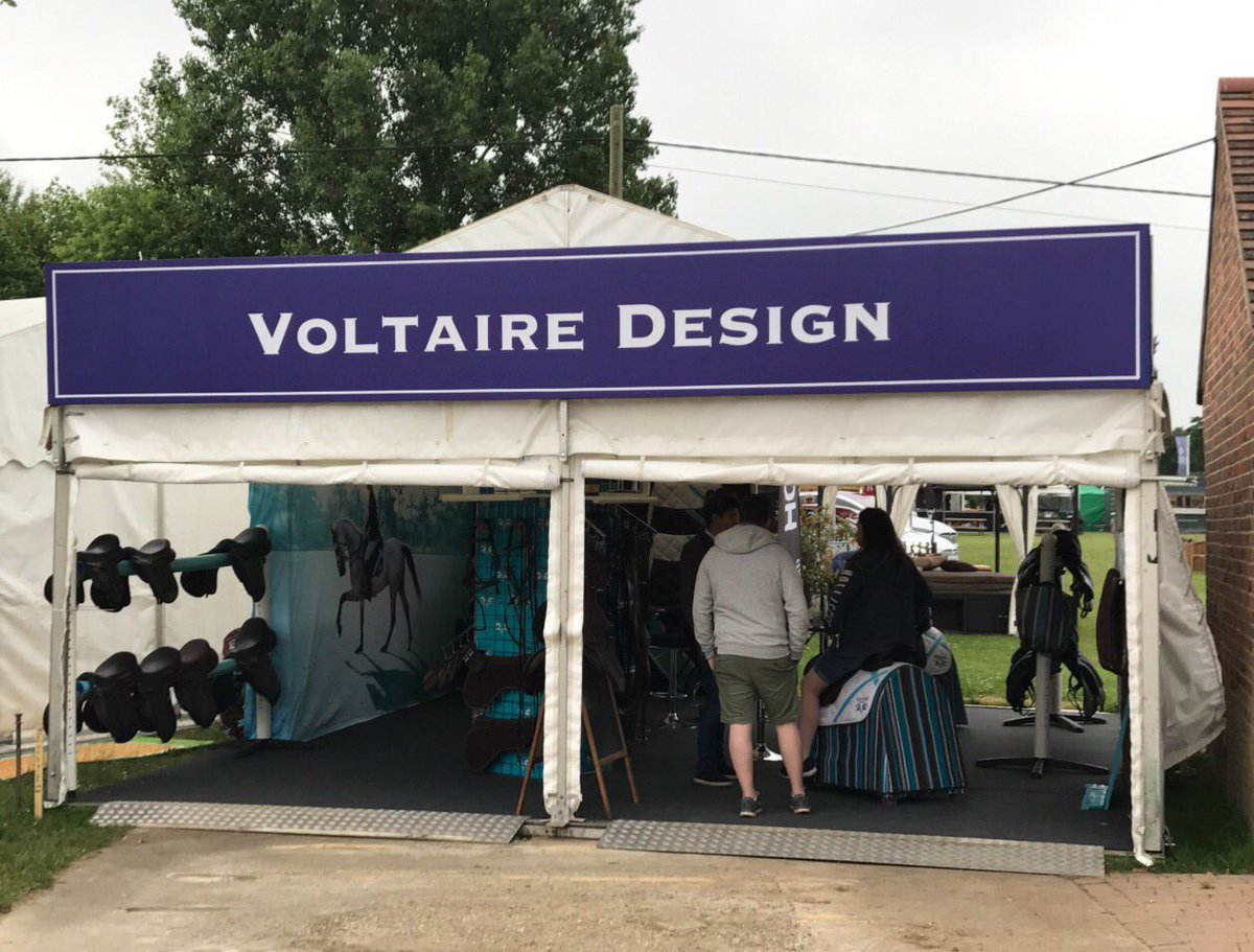Trade Stands Hickstead : Mathieu tireau mathieuvoltaire twitter