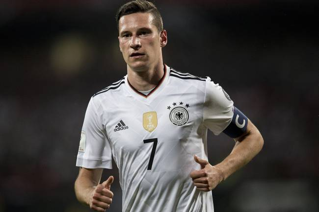 Copa das Confederações: Alemanha e Chile duelam por classificação https://t.co/aZ4Px2cxzL