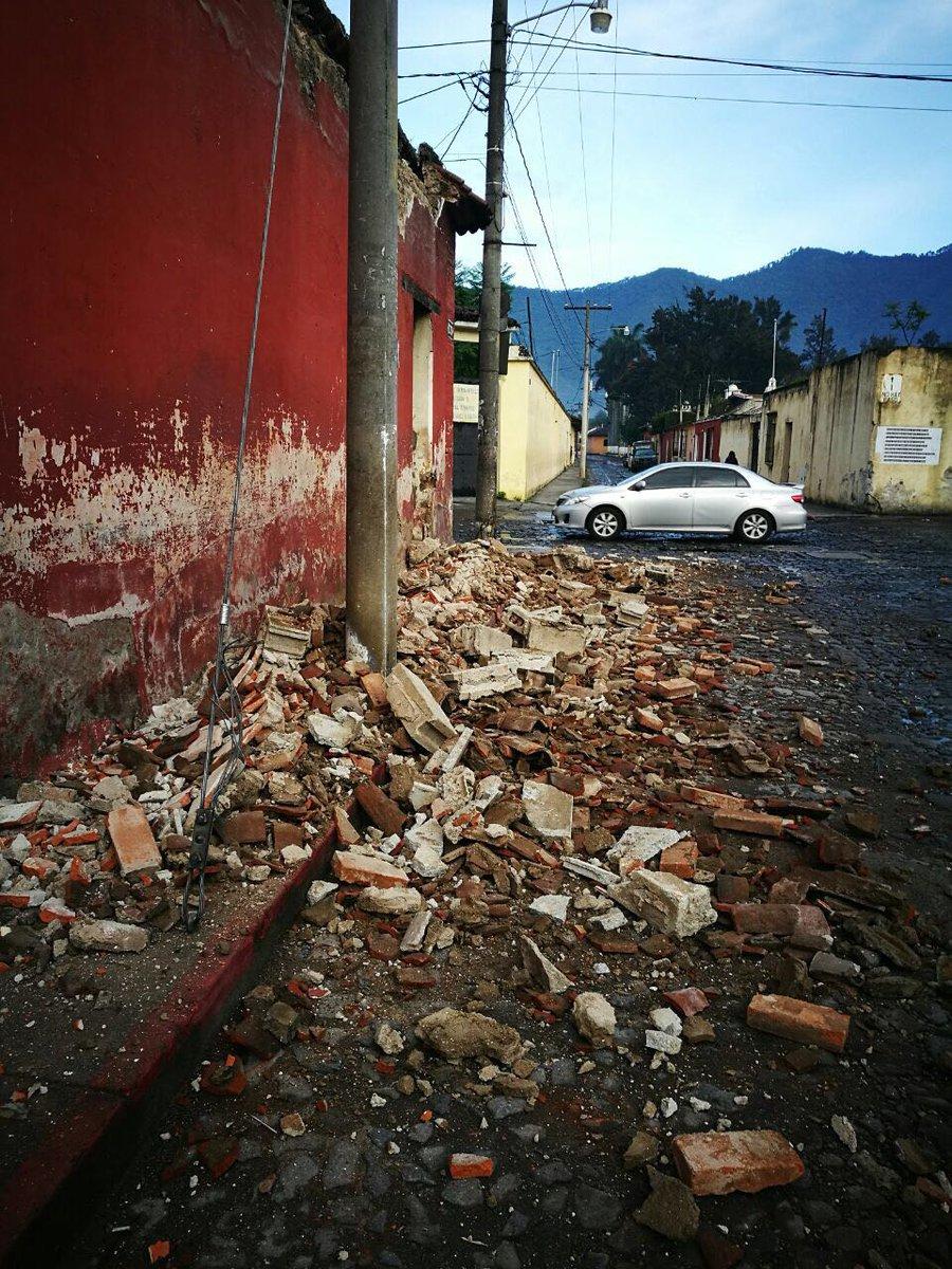 #EUReporteros informan de daños en Antigua Guatemala después del #Temb...