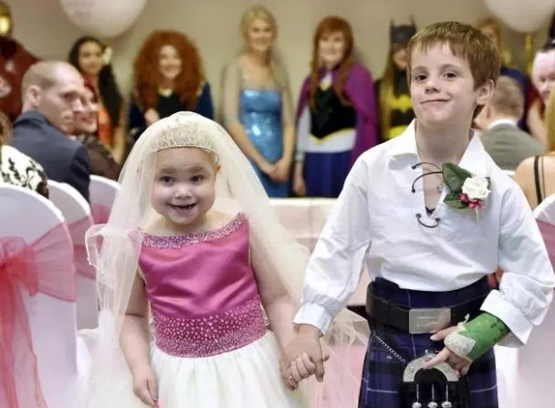 Donations flood in for terminally ill girl who captured the country's hearts with her 'dream wedding' https://t.co/p73mczcuM6