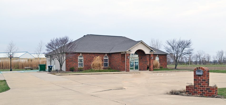 3,281 SF #Office Building #ForSale #ForLease- #Columbia, #IL  http://www. barbermurphy.com/details.aspx?I D=2107 &nbsp; …  @KnowColumbia @MonroeCountyIL @theBrokerList<br>http://pic.twitter.com/gNgILe4Jo1