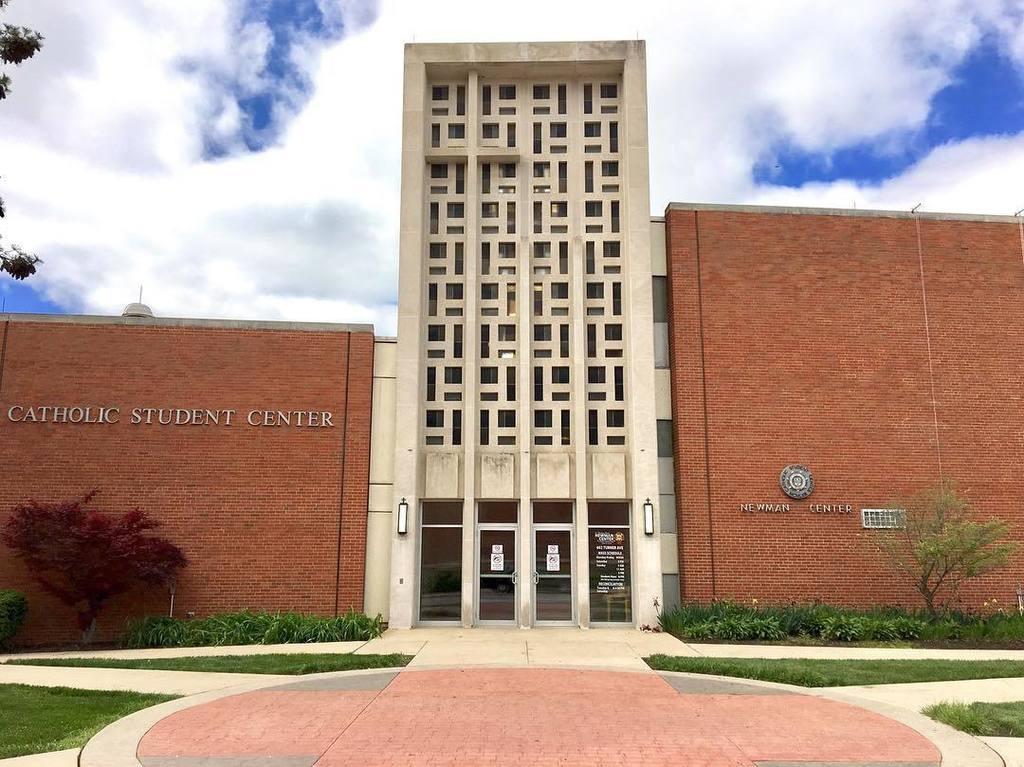 East entrance to Newman Catholic Student Center. This section built 1963. #mizzou #universityofmissouri #modernism #midmodmizzou #midcentur…<br>http://pic.twitter.com/iTdGrqpmnV
