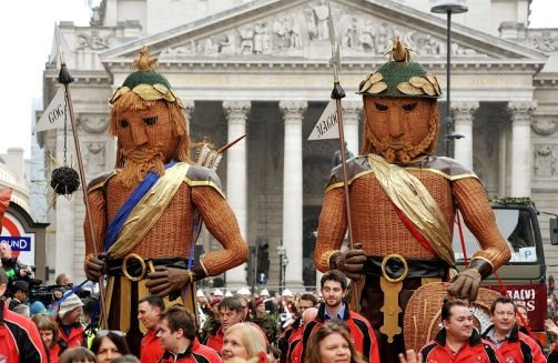 Gog and Magog are the guardian #giants of #London. The ancient custom of parading them was restored in 2006. FolkloreThursday #wickerman<br>http://pic.twitter.com/727ESh757V