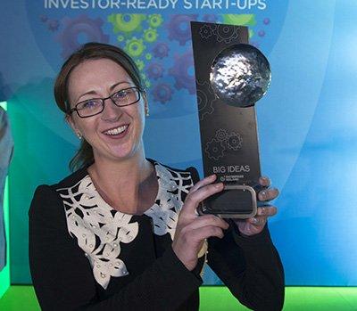 Enterprise Ireland  'One to Watch' Award goes to @UL for 2nd year running  #eibigideas #ResearchImpact Read more &gt;   http:// goo.gl/4TN7no  &nbsp;  <br>http://pic.twitter.com/UCylrPAr7U