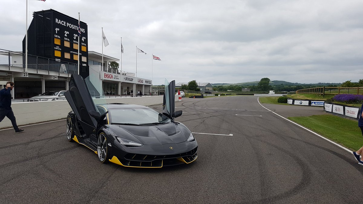 Today @Lamborghini have very kindly let us use this before it\'s star #FOS turn