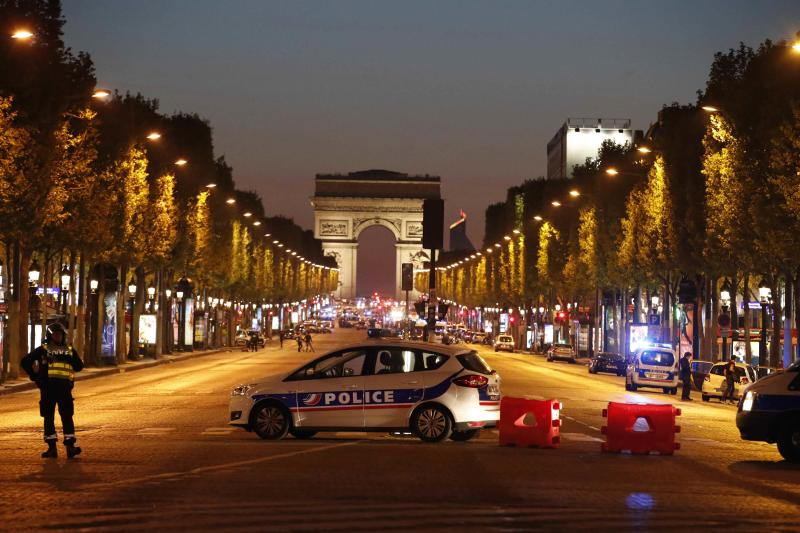 #ChampsElysees attacker had been in #Turkey and had huge arsenal of weapons: Official https://t.co/r34pryls9k