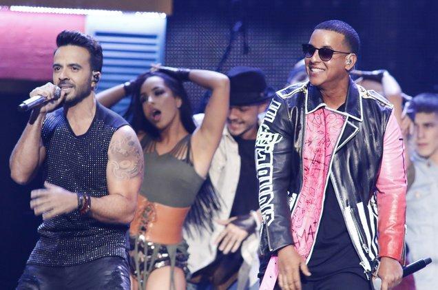 .@LuisFonsi & @Daddy_Yankee's #Despacito rules Hot Latin Songs cha...