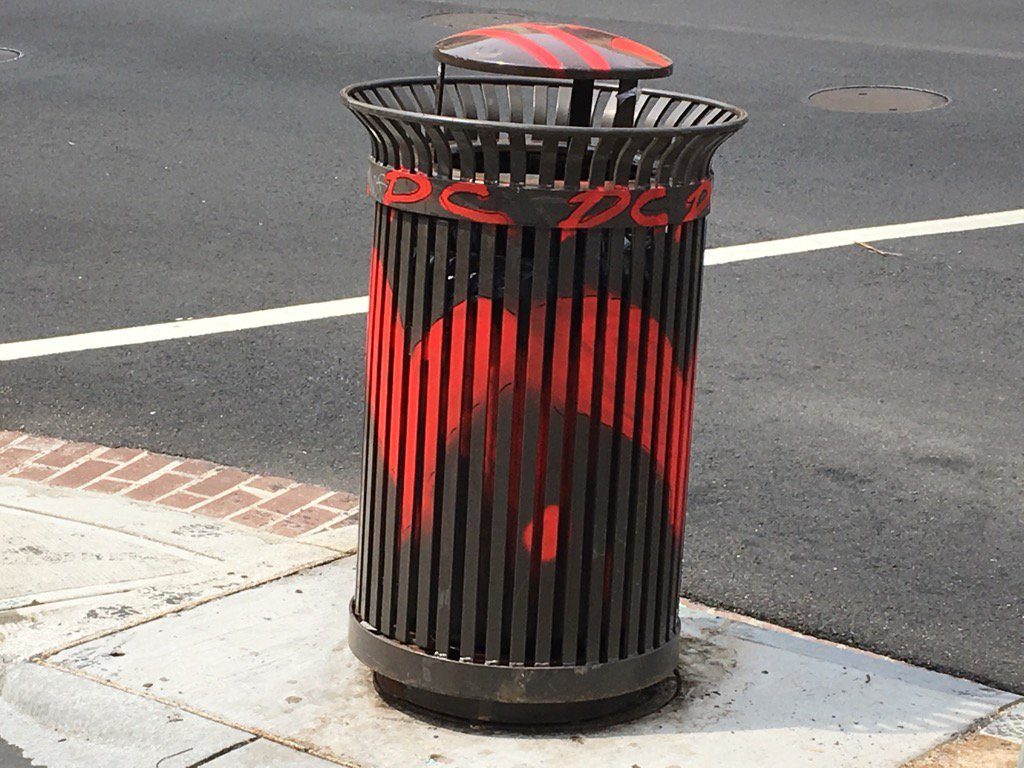One new DC rat abatement - wire many public trash cans to signal alert when full so DPW will empty. #NBC4DC <br>http://pic.twitter.com/7dlvu2V7gp