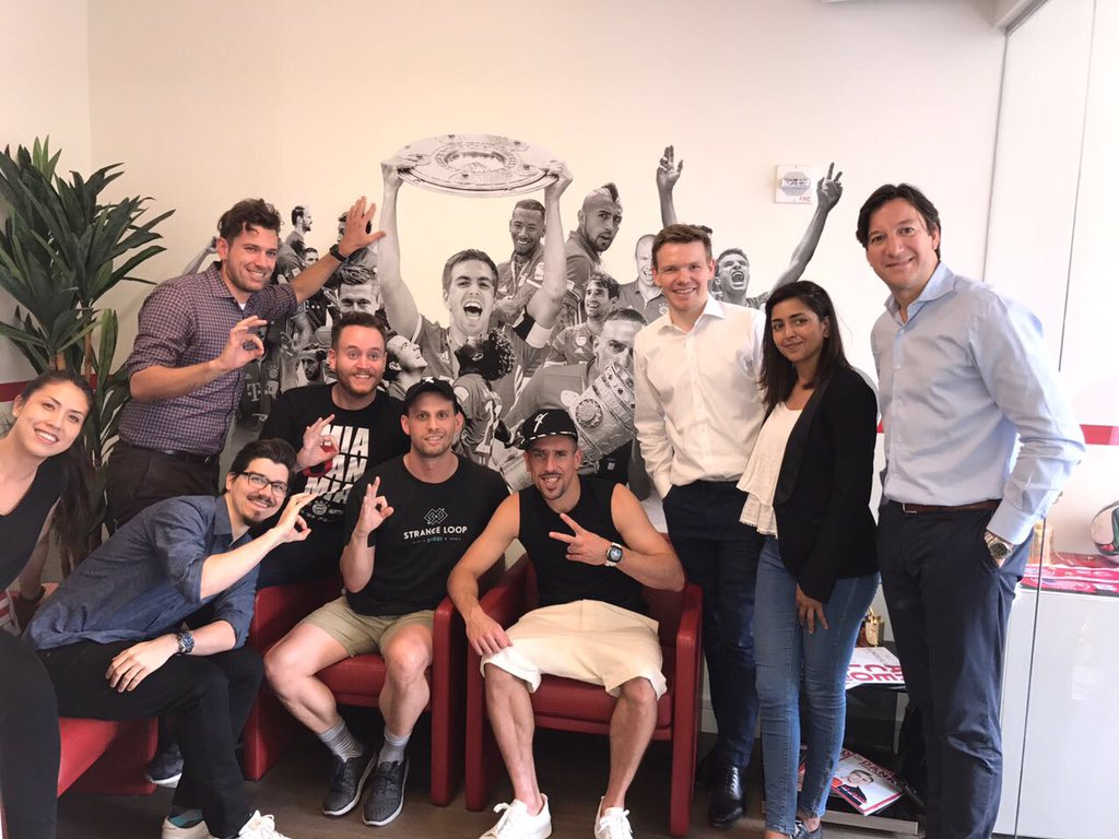 Big thanks to the @FCBayernUS team for the warm welcome in your office...