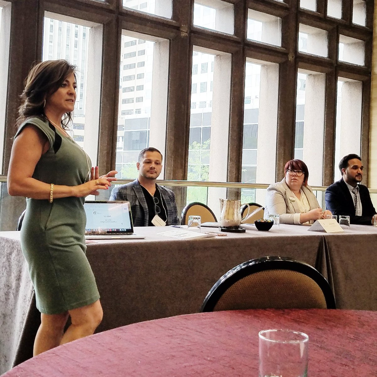 iLC talks about #firstgen students at @GlobalMindEDorg conference in #Denver #equity #access #techinclass<br>http://pic.twitter.com/Yo6kUPdcaf