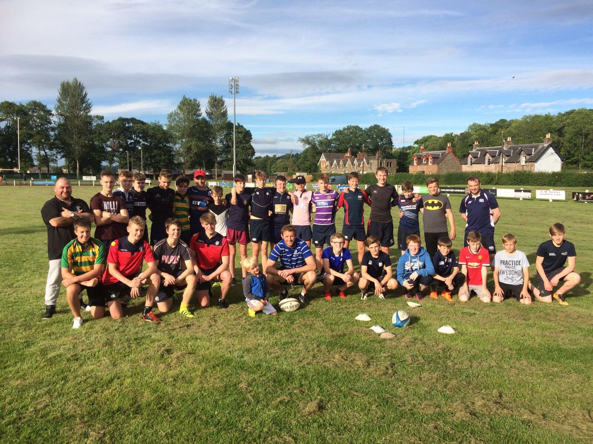 Great night down @SelkirkRFCInfo tonight taking a 7s session before the U-16s head away on tour. All the best fellas. #rugby7s #tour<br>http://pic.twitter.com/vF1wC46G1e