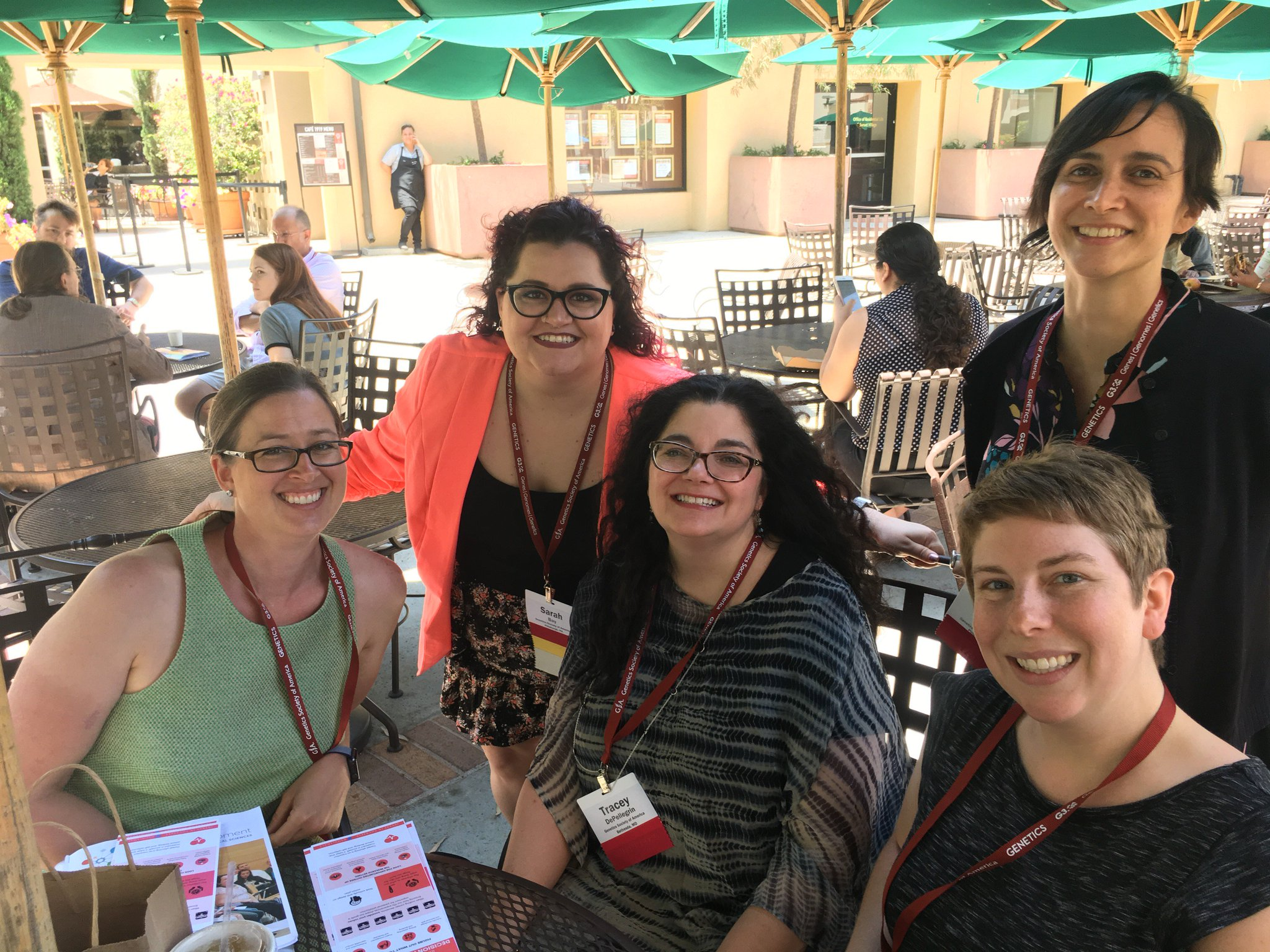 See us around #Worm17 today? Stop us and say hi! @editor_traceyd @CristyGelling @SoniaHall @_sbay and Ruth. 📸: @mjohn1251 https://t.co/LX65SnOW1n