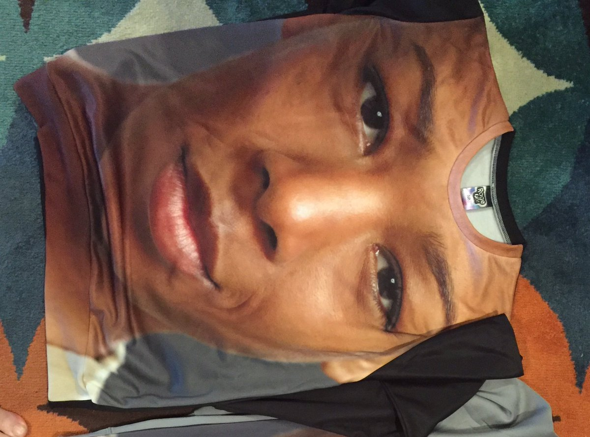 Thank you @OITNB I&#39;ll wear it with pride! #PousseyForever #StandUp  <br>http://pic.twitter.com/OynMctbRX5