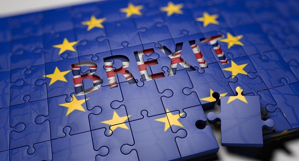 #Brexit: Cidadãos europeus poderão ficar no Reino Unido, diz May https://t.co/3vSIdQaf4Q