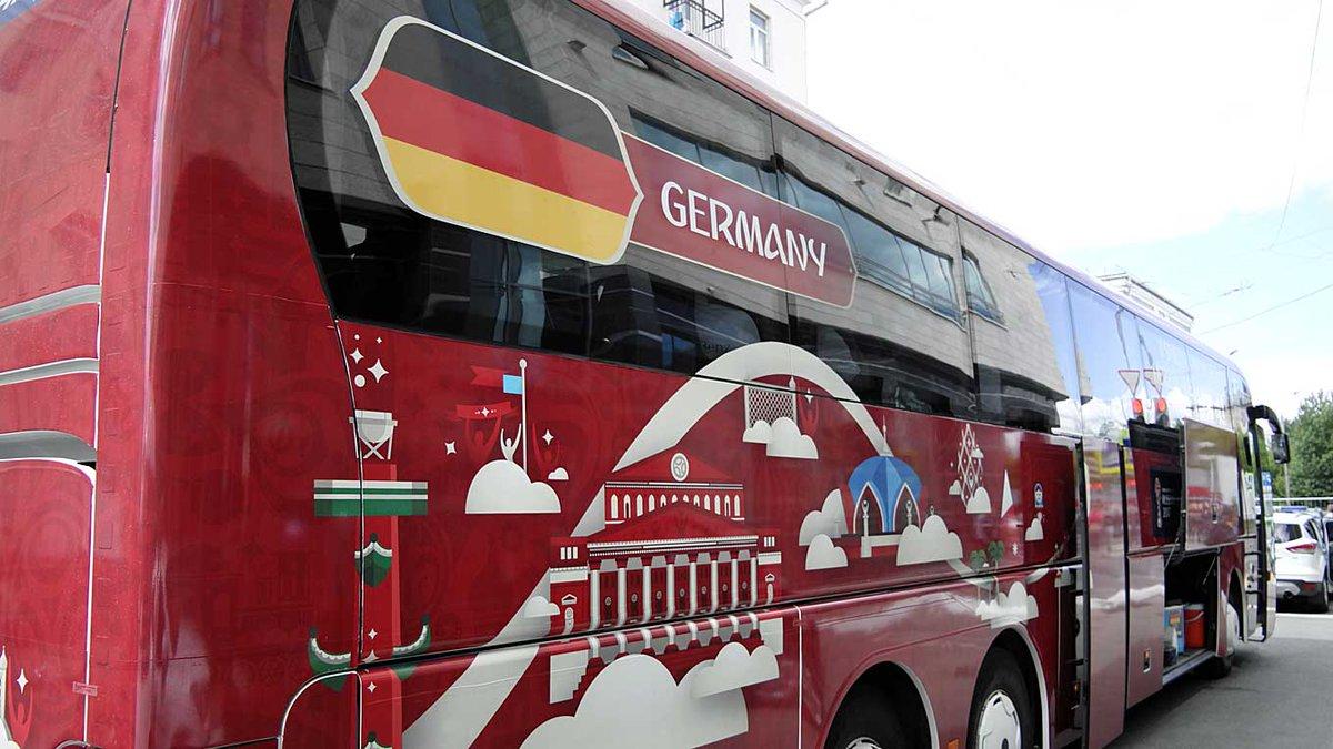 #FCB:RT DFB_Team_EN: Ready to go! 🇩🇪🇨🇱 #GERCHI #ConfedCup #DieMannscha...