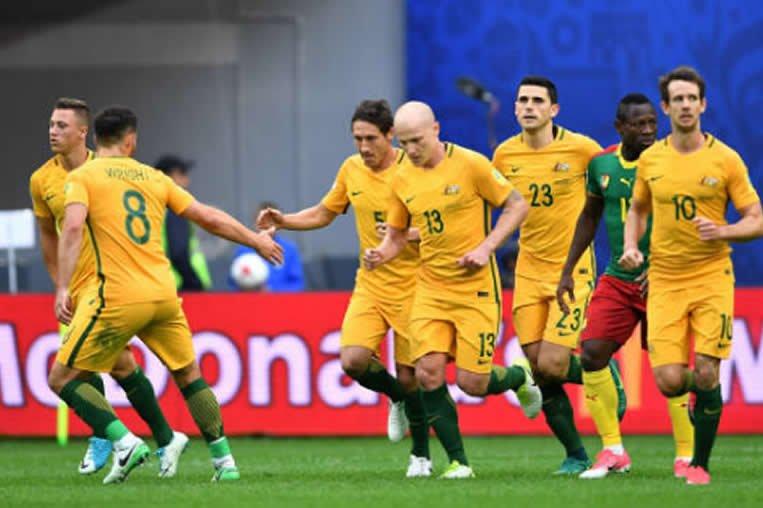 ⚽️ #ConfedCup  Grupo B - Minuto 70  Camerún 1 - 1 Australia  GOL 399 e...