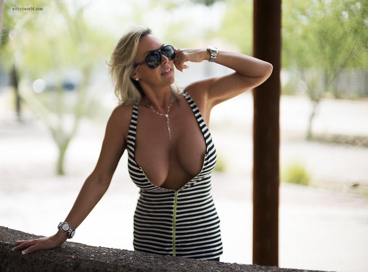 Hot nude girls nice ass